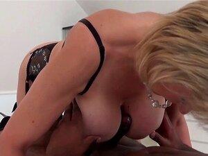 Massagem de cara Lady Sonia preto com final feliz