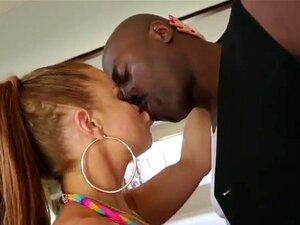 Nikki Delano por amor ao Lex com o seu corpo