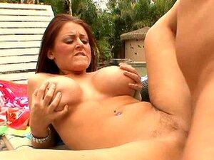 Bbw suculenta com enormes tetas Sophie Dee dá um