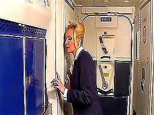 História de sexo no avião deixa a aeromoça