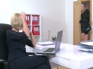 Lesbian casting agent fucked gal, Blonde babe came