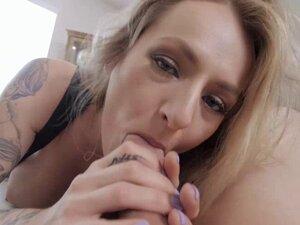 Seductive wife Natasha Starr