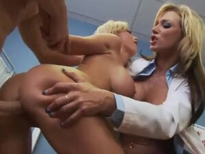 Doctor visit in hot threesome