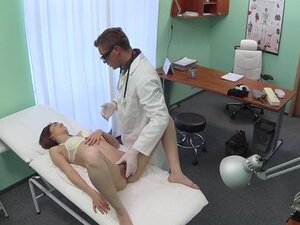 Doctor creampies sexy amateur patient