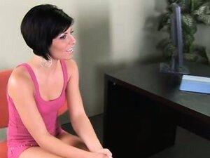 18yo slut Jayden seducing her doctor just for fun