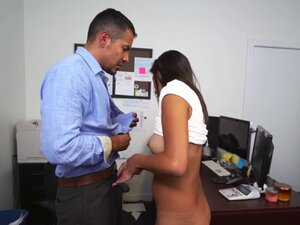 Victoria Valencia gets her pussy stuffed by Jds