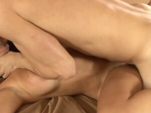 Busty stpemilf cockriding after missionary