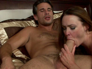 Manuel Ferrara fucks with brunette Victoria Snow