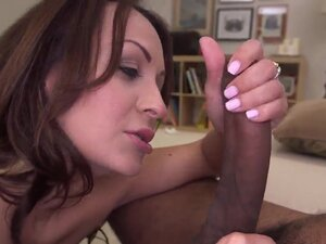 Pretty experienced brunette milf Vanessa Luna with