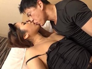 Hikaru Shiina plays with the big tits on a0043