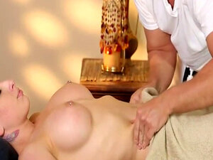 Very tricky spa of glamorous masseur