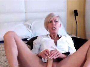 Short Haired Milf Masturbates On Webcam