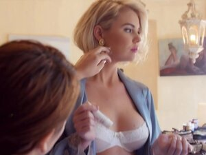 Behind the Scenes with Miss February 2015 Kayslee