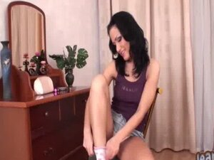 Mimmie flashing her panties in the bedroom
