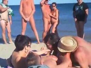 day in nudist beach!!