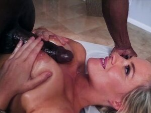 Jessica Ryan massage a monster black dick