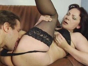 Cunt licking of a hot mature brunette by a young