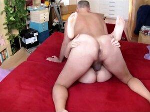 Porn actor Cane exercising with the porn actress