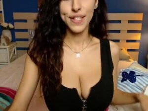 Mayadee - the cutest webcam model