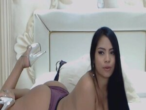 Busty Babe Suck and Fuck a Long Big Dildo, Watch