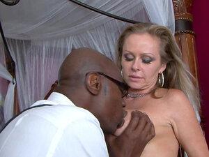 Dyanna Lauren fucks with black shaft