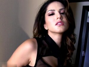 Sunny Leone in Doorway Strip Video, This tight