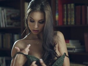 A very erotic solo scene with the beautiful