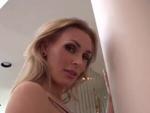 The hottest MILF alive wants to fuck with you,