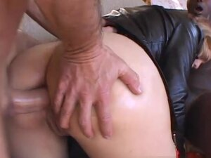 FoxMagazine Video: Cherrie Rose, Cherrie Rose is a