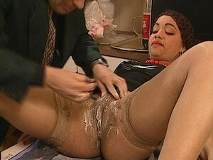 Shaving and fucking her pussy