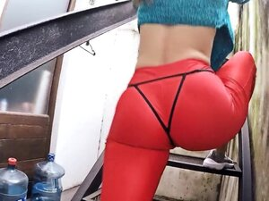 Big Cameltoe and Round Ass Babe In Tight Red