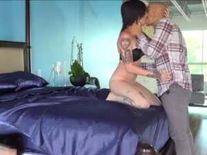 A perfect threeway sex action