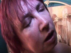 Bitchy mature enjoys sucking fat pecker