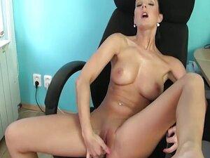 Vanessa Jordin Strips, Masturbates and Squirt