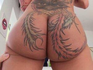 Fat ass Bella Bellz takes anal