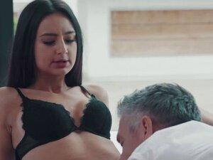 Slutty Eliza Ibarra gets naughty with her hunk