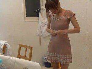 Suzu Tsubaki hot milf in her bikini demonstrates