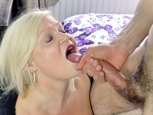 AgedLovE Mature Lady Hardcore Fuck With Handy Guy,