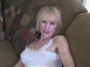 Blowjob from a sexy amateur granny named Wicked