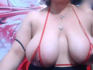 Colombian woman showing pussy in fron webcam