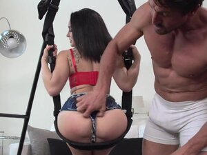 Big Butts Like It Big: Caught in the Swing