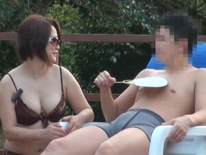 Bosomy Japanese mom shows her cock-sucking talent