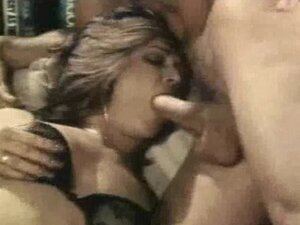 Classic Pornstar Marilyn Chambers Threesome