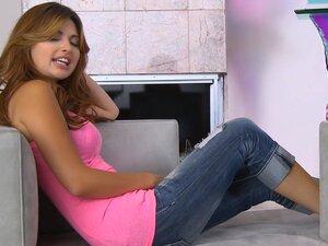 Redhead Natasha Malkova masturbates her snatch
