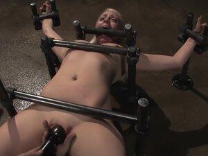 Lorelei LeeWater Works, In a custom made prison