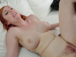 Big assed Lauren Phillips tryouts for an