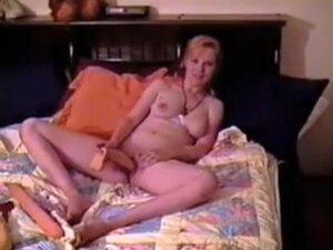 blond having fun, Vintage blond having fun video
