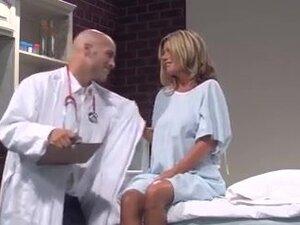 DOCTOR VISIT SEXY MILF