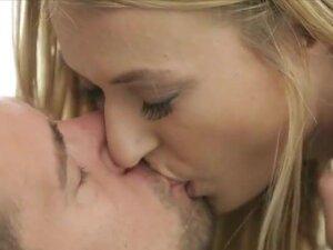 Beautiful Natalia Starr gets sensual love making