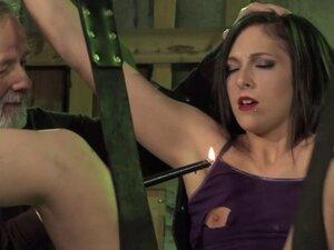 Older master waxing sexy slave
